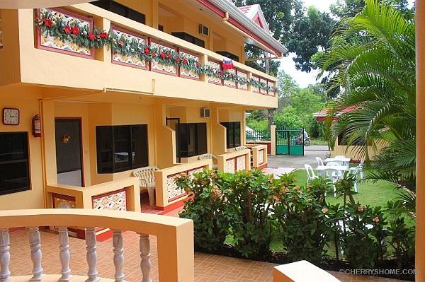 Cherrys home hotel at danao tawala panglao island for Hotel decor for sale