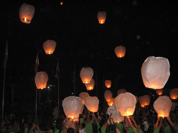 the flying sky lanterns